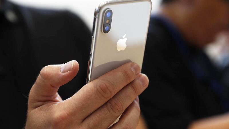 Mẹo nhỏ giúp iPhone bạc màu trông như mới trong tích tắc